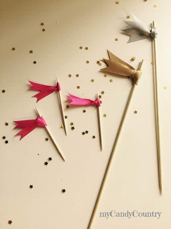 Bandierine fai da te per tartine, Idee creative per Capodanno Capodanno fai da te legno e natura plastica