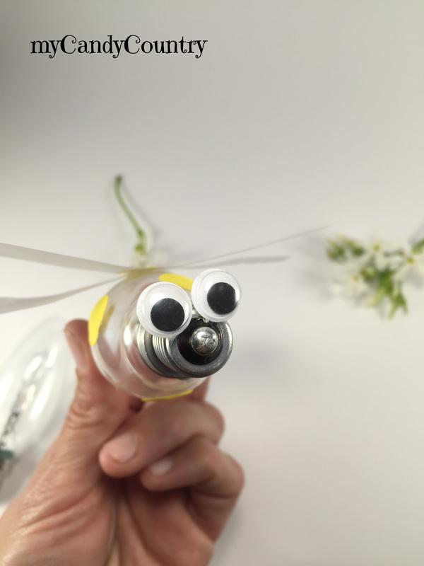 Creare un ape fai da te riciclando una lampadina bambini home decor metallo Riciclo Creativo vetro