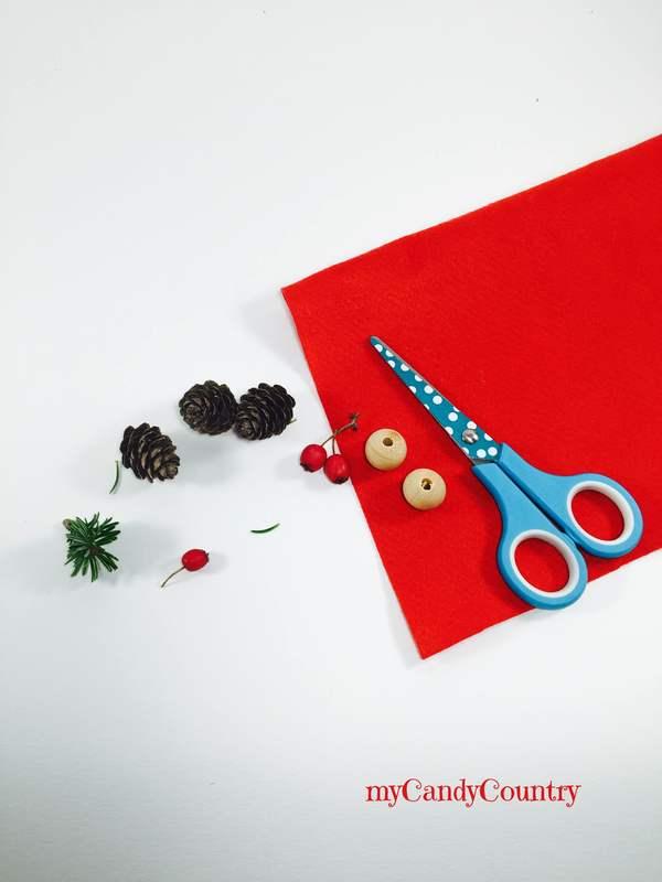 Decorazioni di Natale: elfi pigna fai da te legno e natura Natale fai da te