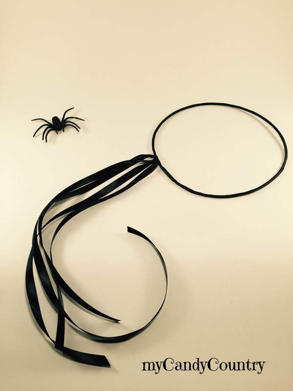 Corona di Ragni - Idea creativa di Halloween bambini Halloween fai da te