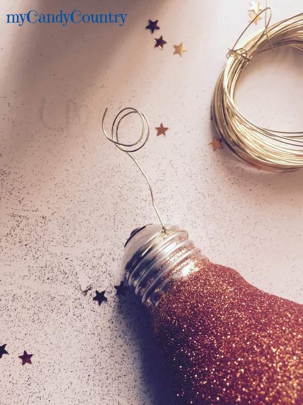 Riciclare Lampadine Vetro: Come riciclare vecchie lampadine lampade idee per riutilizzare.
