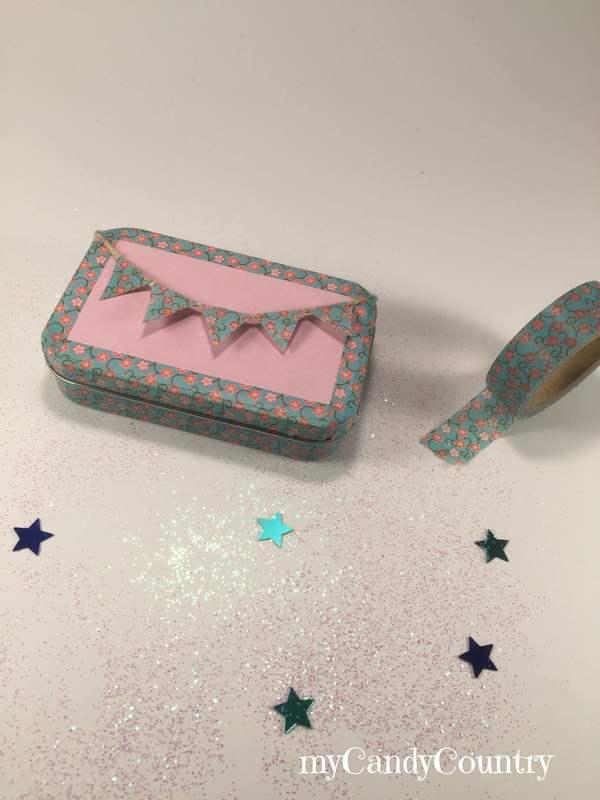 Riciclo creativo per bambini una scatola di latta diventa for Foderare una scatola