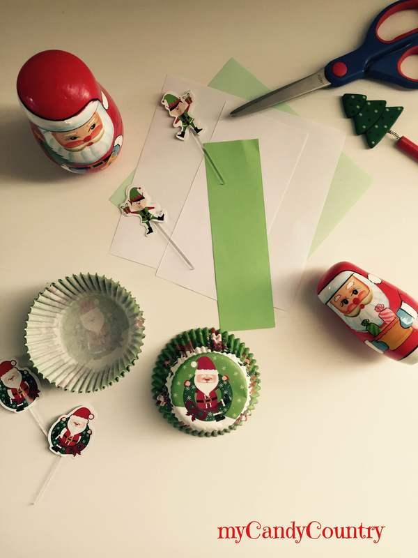 Riciclo creativo: coccarde di Natale riciclando i pirottini bambini carta e cartone Natale fai da te Riciclo Creativo