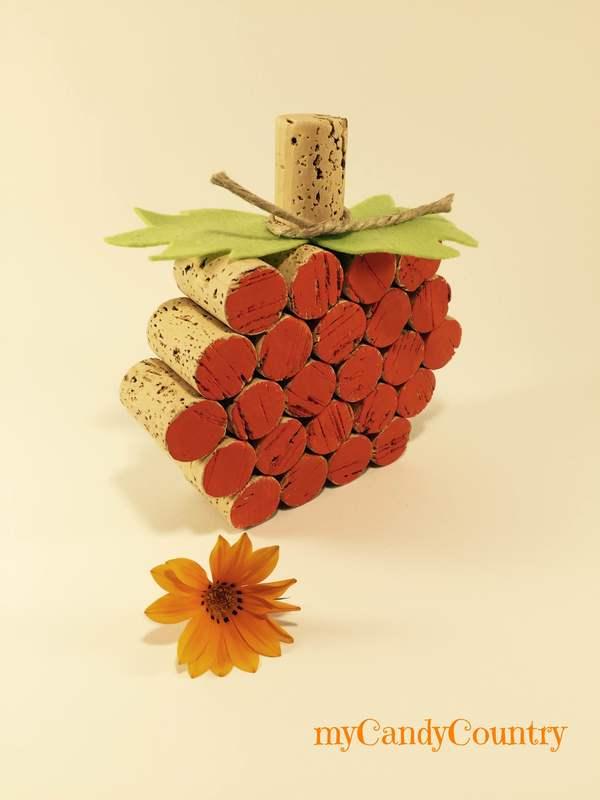 Zucca fai da te con tappi di sughero Autunno fai da te creatività home decor legno e natura