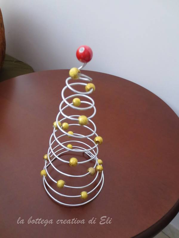 Albero spirale un creativo albero di natale fai da te for Decorazione albero di natale fai da te