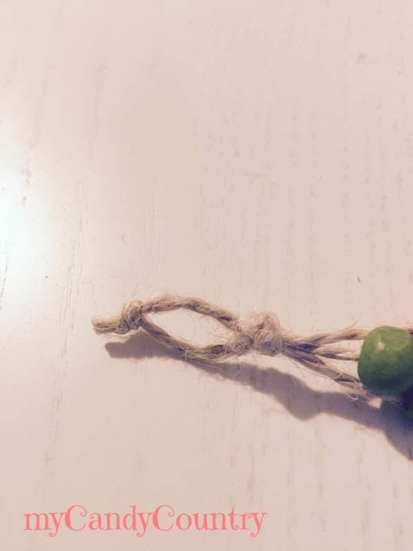 Creare braccialetti fai da te con spago e perline Bijoux fai da te legno e natura spago
