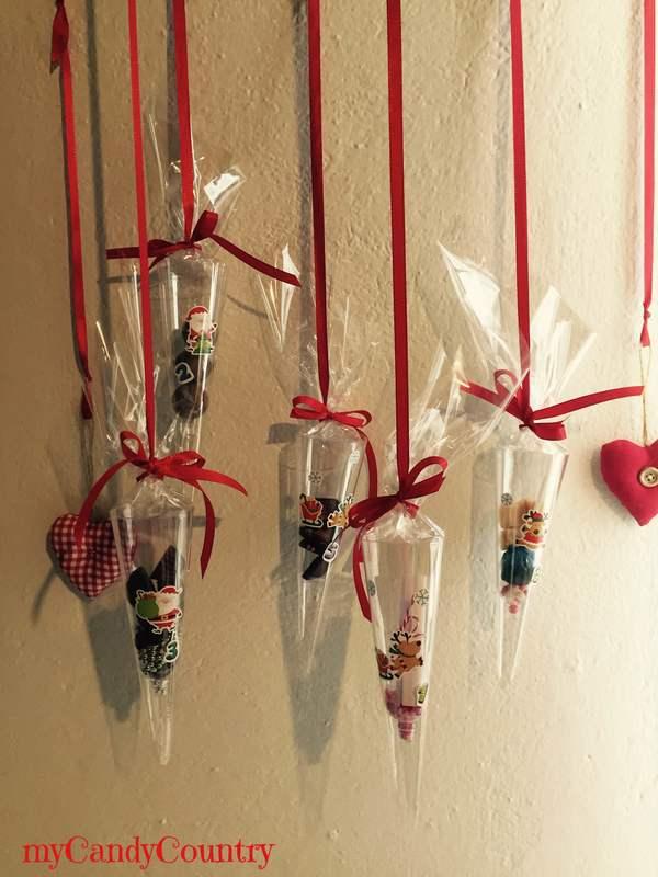 Calendario dell'avvento con i flutes in plastica creatività home decor Natale fai da te plastica