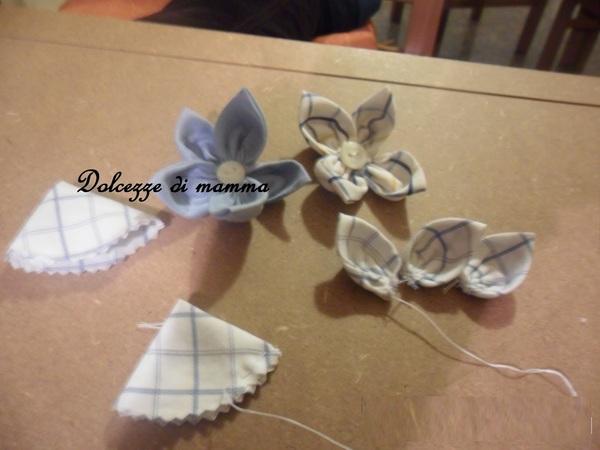 Creare dei fiori di stoffa riciclando camicie for Fermaporta fai da te in stoffa
