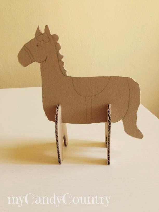 Come Costruire Un Cavallo.Creare Fiabe 3d Con Cartone Riciclato Mycandycountry Idee