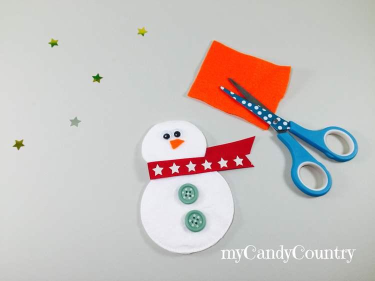 Decorazioni di Natale fai da te: pupazzi di neve con dischetti levatrucco Natale fai da te Riciclo Creativo