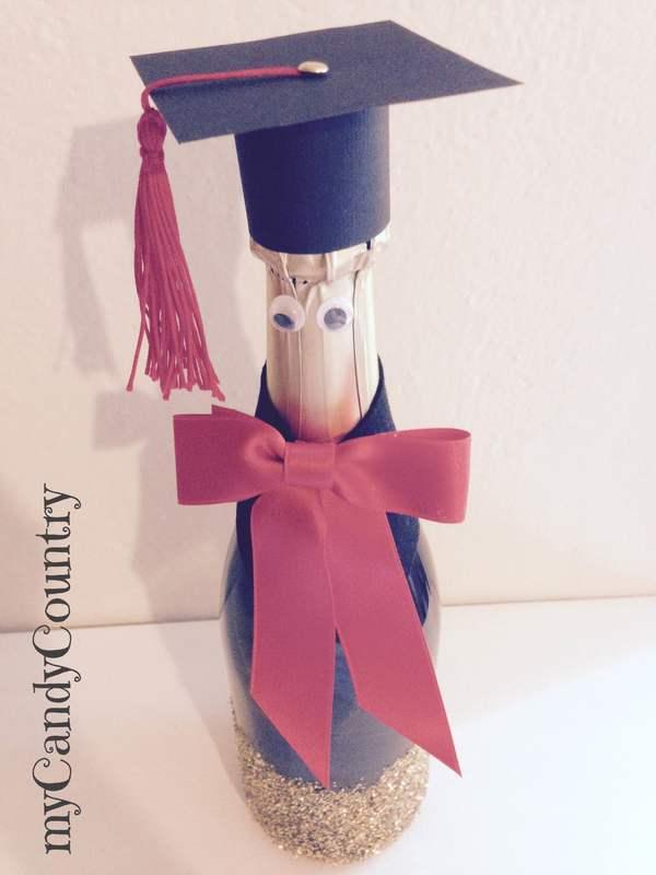 Creare una bottiglia laureata idea creativa per la festa for Idee per addobbare festa di laurea