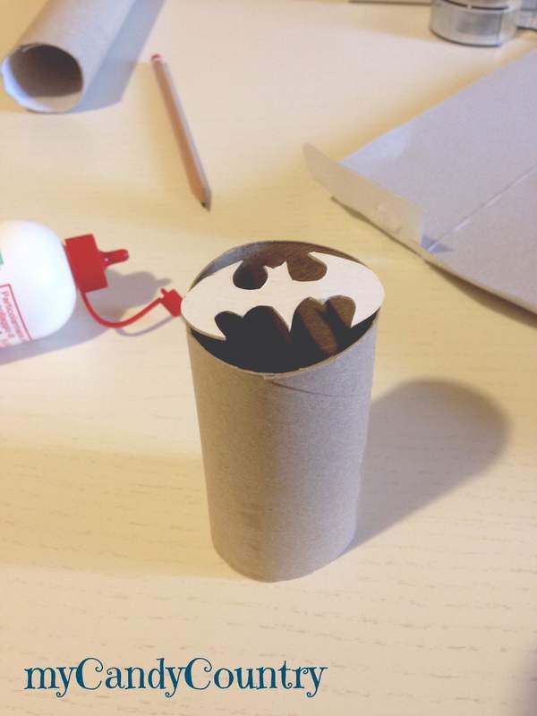 Proiettore di ombre fai da te bambini carta e cartone Riciclo Creativo