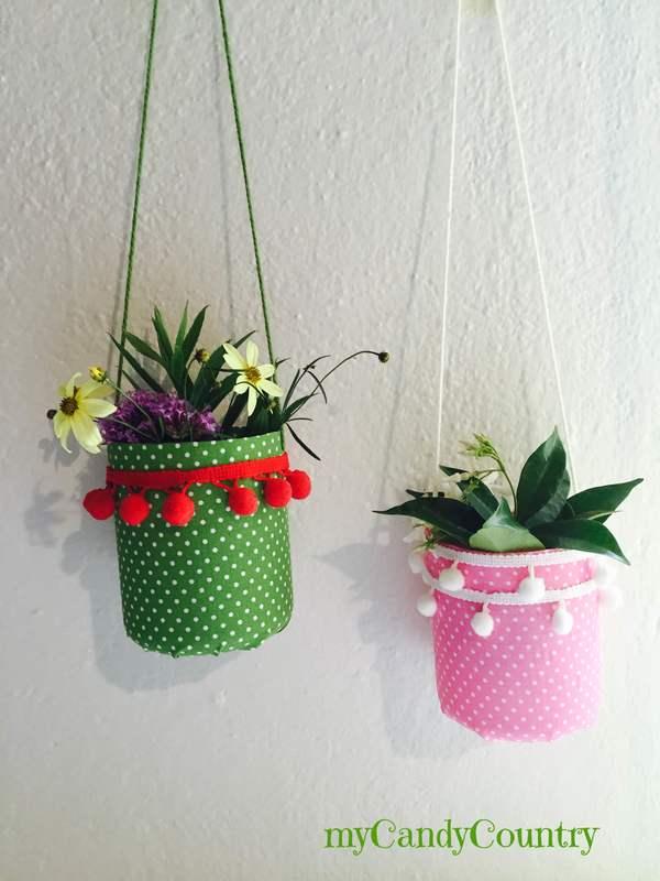 Creare vasi sospesi fai da te riciclando bottiglie di plastica mycandycountry idee - Vasi decorati fai da te ...