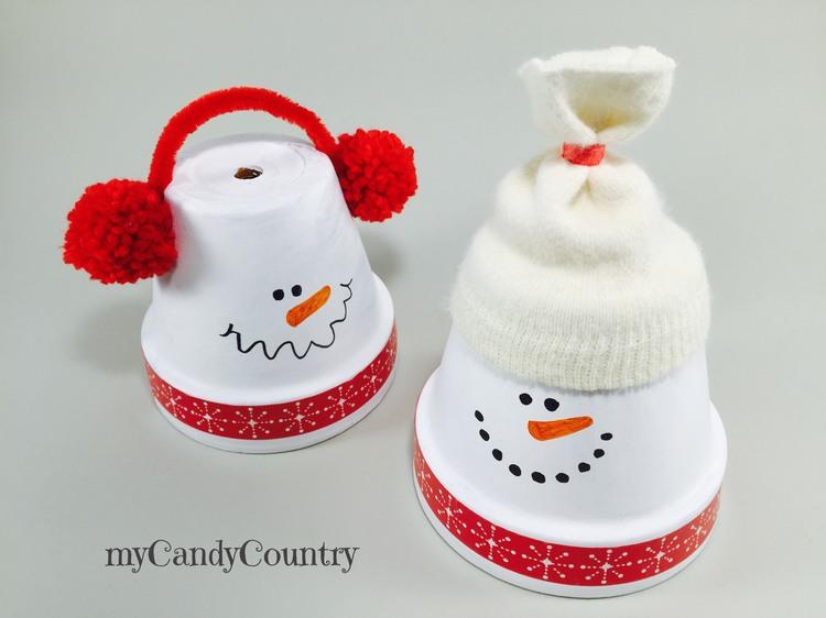 Pupazzi di neve fai da te con vasi di terracotta natale for Lavoretti di natale fai da te semplici e veloci