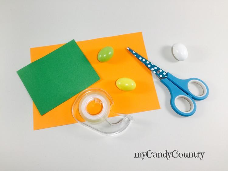 Portauovo di Pasqua fai da te a forma di carota carta e cartone Pasqua fai da te Riciclo Creativo