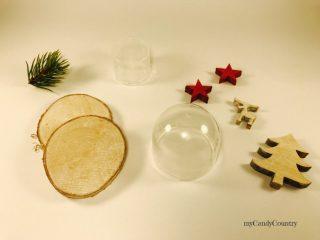 Campana in vetro natalizia riciclando tappi di plastica 1
