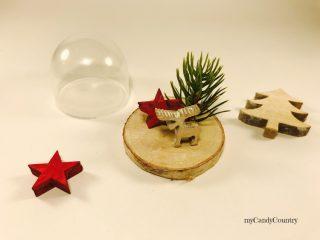 Campana in vetro natalizia riciclando tappi di plastica 2