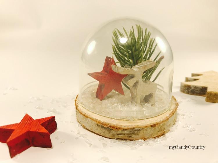 Campana in vetro natalizia riciclando tappi di plastica Natale fai da te plastica Riciclo Creativo