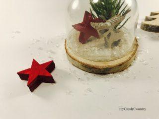 Campana in vetro natalizia riciclando tappi di plastica 7