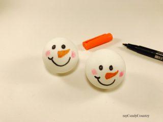 Pupazzi di neve con palline da Ping Pong 5